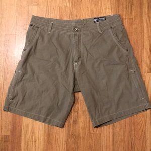 Men's Kuhl Shorts - 36 - Olive Khaki